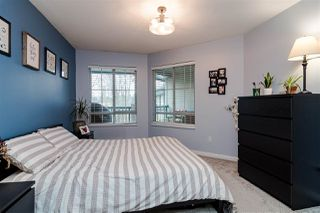 """Photo 16: 337 19528 FRASER Highway in Surrey: Cloverdale BC Condo for sale in """"The Fairmont"""" (Cloverdale)  : MLS®# R2520413"""