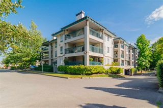 """Photo 2: 337 19528 FRASER Highway in Surrey: Cloverdale BC Condo for sale in """"The Fairmont"""" (Cloverdale)  : MLS®# R2520413"""
