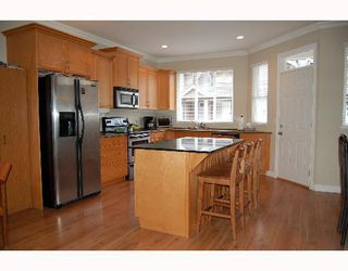 """Photo 2: 11720 COTTONWOOD Drive in Maple Ridge: Cottonwood MR Townhouse for sale in """"COTTONWOOD GREEN"""" : MLS®# V634707"""