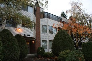"Photo 1: 101 32098 GEORGE FERGUSON Way in Abbotsford: Abbotsford West Condo for sale in ""HEATHER COURT"" : MLS®# F2925431"