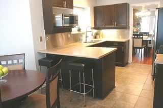 """Photo 3: # 136 - 28 Richmond Street in New Westminster: Fraserview NW Townhouse for sale in """"Castle Ridge"""" : MLS®# V816862"""
