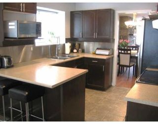 "Photo 5: # 136 - 28 Richmond Street in New Westminster: Fraserview NW Townhouse for sale in ""Castle Ridge"" : MLS®# V816862"