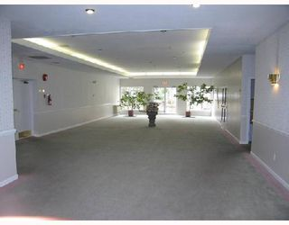 """Photo 2: 208 7633 ST ALBANS Road in Richmond: Brighouse South Condo for sale in """"ST ALBANS CRT"""" : MLS®# V685973"""