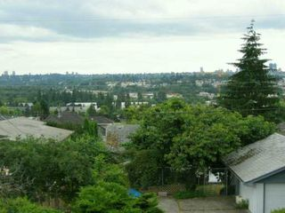 """Photo 4: 5754 WINCH ST in Burnaby: Parkcrest House for sale in """"PARKCREST"""" (Burnaby North)  : MLS®# V600657"""