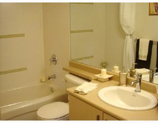 "Photo 9: 311 6888 SOUTHPOINT Drive in Burnaby: South Slope Condo for sale in ""The Cortina"" (Burnaby South)  : MLS®# V711674"