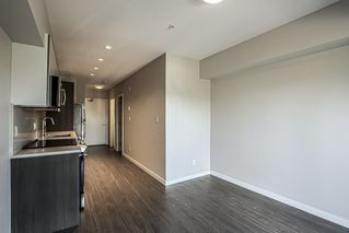 Photo 7: 403 13768 108 Avenue in Surrey: Whalley Condo for sale (North Surrey)  : MLS®# R2444690