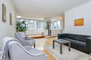 "Photo 7: 412 1425 ESQUIMALT Avenue in West Vancouver: Ambleside Condo for sale in ""Oceanbrook"" : MLS®# R2469530"