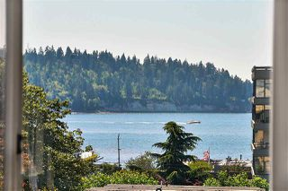 "Photo 2: 412 1425 ESQUIMALT Avenue in West Vancouver: Ambleside Condo for sale in ""Oceanbrook"" : MLS®# R2469530"