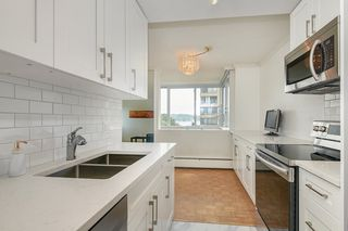 "Photo 15: 412 1425 ESQUIMALT Avenue in West Vancouver: Ambleside Condo for sale in ""Oceanbrook"" : MLS®# R2469530"