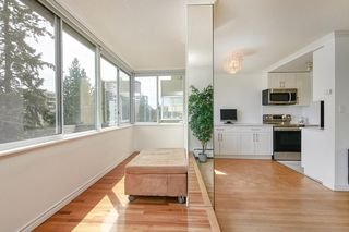 "Photo 13: 412 1425 ESQUIMALT Avenue in West Vancouver: Ambleside Condo for sale in ""Oceanbrook"" : MLS®# R2469530"