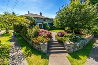 Photo 1: 5910 MACDONALD Street in Vancouver: Kerrisdale House for sale (Vancouver West)  : MLS®# R2471359