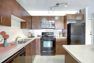 Photo 4: 208 108 COUNTRY VILLAGE Circle NE in Calgary: Country Hills Village Apartment for sale : MLS®# C4305233