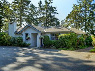 Photo 7: 825 Towner Park Rd in North Saanich: NS Deep Cove Single Family Detached for sale : MLS®# 821434