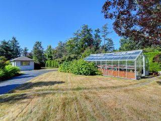Photo 30: 825 Towner Park Rd in North Saanich: NS Deep Cove Single Family Detached for sale : MLS®# 821434