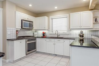 Photo 6: 1714 WESTMOUNT Road NW in Calgary: Hillhurst Detached for sale : MLS®# A1015517