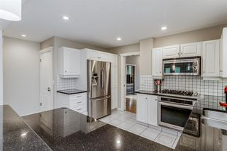 Photo 1: 1714 WESTMOUNT Road NW in Calgary: Hillhurst Detached for sale : MLS®# A1015517
