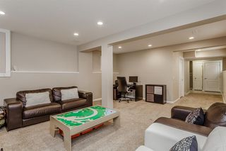 Photo 17: 1714 WESTMOUNT Road NW in Calgary: Hillhurst Detached for sale : MLS®# A1015517