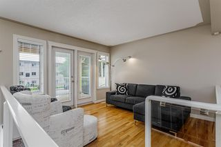 Photo 4: 1714 WESTMOUNT Road NW in Calgary: Hillhurst Detached for sale : MLS®# A1015517