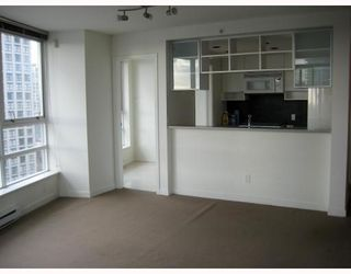 Photo 2: 1802 928 BEATTY Street in Vancouver: Downtown VW Condo for sale (Vancouver West)  : MLS®# V796777
