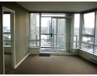 Photo 4: 1802 928 BEATTY Street in Vancouver: Downtown VW Condo for sale (Vancouver West)  : MLS®# V796777