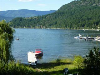 Main Photo: 2661 Blind Bay Road: Blind Bay Manufactured Home for sale (Shuswap Lake)  : MLS®# 10033658