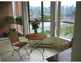 "Photo 4: 807 2201 PINE ST in Vancouver: Fairview VW Condo for sale in ""MERIDIAN COVE"" (Vancouver West)  : MLS®# V542413"