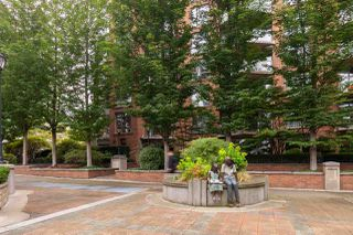 "Photo 19: 401 1575 W 10TH Avenue in Vancouver: Fairview VW Condo for sale in ""The Triton"" (Vancouver West)  : MLS®# R2404375"