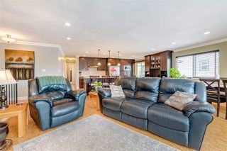 Photo 5: 20290 STANTON Avenue in Maple Ridge: Southwest Maple Ridge House for sale : MLS®# R2455980