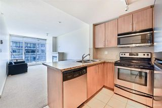 "Photo 2: 2010 892 CARNARVON Street in New Westminster: Downtown NW Condo for sale in ""AZURE II AT PLAZA 88"" : MLS®# R2461243"