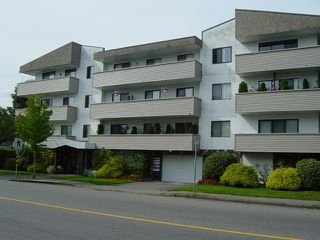 Photo 1: 111 9175 Mary Street in Chilliwack: Condo for sale : MLS®# H1200015