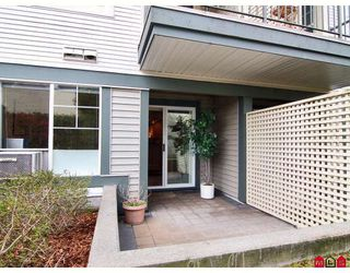 """Photo 9: 118 20200 56TH Avenue in Langley: Langley City Condo for sale in """"The Bentley"""" : MLS®# F2808875"""