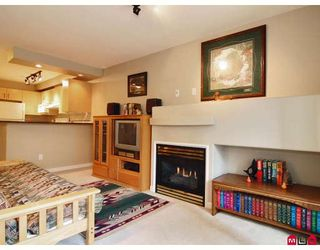"""Photo 5: 118 20200 56TH Avenue in Langley: Langley City Condo for sale in """"The Bentley"""" : MLS®# F2808875"""