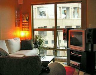 "Photo 3: 819 HAMILTON Street in Vancouver: Downtown VW Condo for sale in ""EIGHT ONE NINE"" (Vancouver West)  : MLS®# V620423"