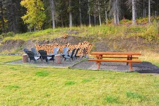 """Photo 2: 38685 FORESTRY POINT Road in Smithers: Smithers - Rural House for sale in """"Smithers Landing"""" (Smithers And Area (Zone 54))  : MLS®# R2408636"""