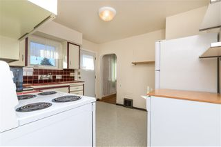 Photo 6: 6508 NEVILLE Street in Burnaby: South Slope House for sale (Burnaby South)  : MLS®# R2415692