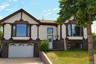 Main Photo: 19 GOODACRE Close in Red Deer: RR Glendale Park Estates Residential for sale : MLS®# CA0183973