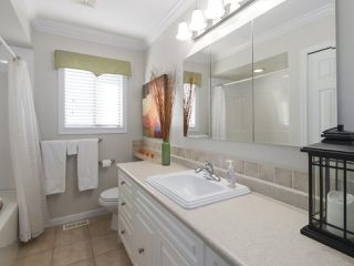 "Photo 13: 7510 MALTON Drive in Delta: Nordel House for sale in ""ROYAL YORK"" (N. Delta)  : MLS®# R2448645"