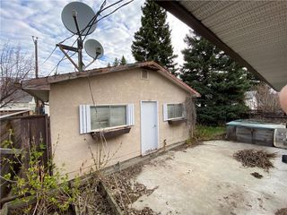 Photo 19: 96 HOLLYBURN Road SW in Calgary: Haysboro Detached for sale : MLS®# C4295874