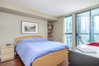 "Photo 9: 907 1238 MELVILLE Street in Vancouver: Coal Harbour Condo for sale in ""Pointe Claire"" (Vancouver West)  : MLS®# R2466334"