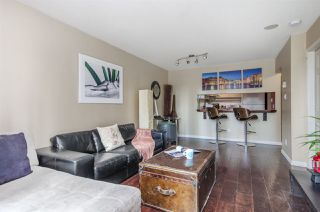 "Photo 5: 907 1238 MELVILLE Street in Vancouver: Coal Harbour Condo for sale in ""Pointe Claire"" (Vancouver West)  : MLS®# R2466334"
