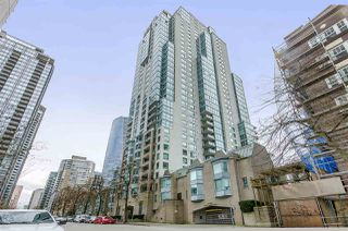 "Photo 1: 907 1238 MELVILLE Street in Vancouver: Coal Harbour Condo for sale in ""Pointe Claire"" (Vancouver West)  : MLS®# R2466334"