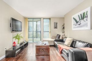 "Photo 4: 907 1238 MELVILLE Street in Vancouver: Coal Harbour Condo for sale in ""Pointe Claire"" (Vancouver West)  : MLS®# R2466334"