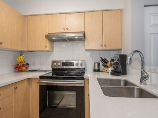 Photo 10: 2319 244 SHERBROOKE Street in New Westminster: Sapperton Condo for sale : MLS®# R2467926
