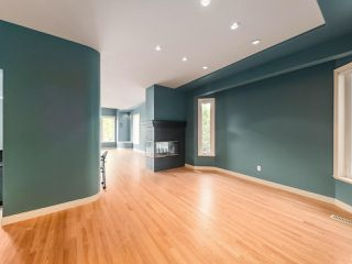 "Photo 8: 15980 HUMBERSIDE Avenue in Surrey: Morgan Creek House for sale in ""Morgan Creek"" (South Surrey White Rock)  : MLS®# R2474794"