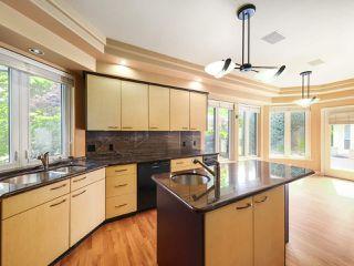 "Photo 11: 15980 HUMBERSIDE Avenue in Surrey: Morgan Creek House for sale in ""Morgan Creek"" (South Surrey White Rock)  : MLS®# R2474794"
