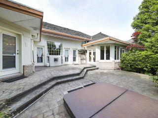 "Photo 38: 15980 HUMBERSIDE Avenue in Surrey: Morgan Creek House for sale in ""Morgan Creek"" (South Surrey White Rock)  : MLS®# R2474794"