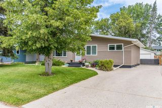 Photo 2: 26 Columbia Drive in Saskatoon: River Heights SA Residential for sale : MLS®# SK823644