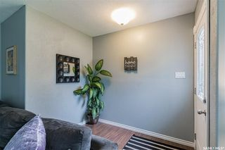 Photo 3: 26 Columbia Drive in Saskatoon: River Heights SA Residential for sale : MLS®# SK823644