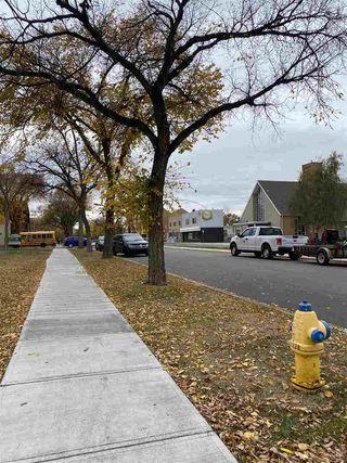 Photo 5: 10821 112 Street NW in Edmonton: Zone 08 House for sale : MLS®# E4217420