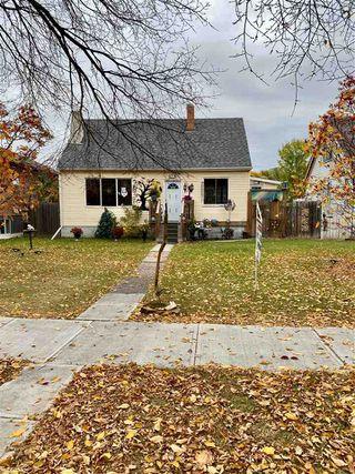 Photo 1: 10821 112 Street NW in Edmonton: Zone 08 House for sale : MLS®# E4217420